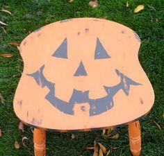 """""""Jack"""" a broken chair becomes a Halloween stool!"""