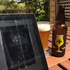Two things I want to do is to read more & drink less. At least I can tick one of those things today. Reading The Martian with a @doctorsordersbrewing plasma white #ipa. #craftbeer #craftbeersydney#craftbeeraustralia #beernerd #beerporn#instabeer #sydneycraftbeer #beer#beersofinstagram #craftnotcrap #ratebeer#beerstagram #beerlove #bira #öl #birra#cerveza #drinkcraft
