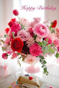 Birth Day QUOTATION – Image : Quotes about Birthday – Description Happy Birthday bouquet Sharing is Caring – Hey can you Share this Quote ! Wedding Centerpieces, Wedding Bouquets, Wedding Flowers, Centerpiece Ideas, Pink Flower Centerpieces, Ranunculus Centerpiece, Flower Decorations, Wedding Colors, Rosen Arrangements