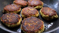 Karrikaker med dill - Foto: Jane H. Meatless Monday, Salmon Burgers, Tofu, Muffin, Vegan, Breakfast, Ethnic Recipes, Morning Coffee, Muffins