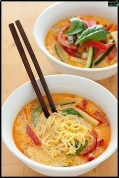 Coconut Curry Noodles Coconut Curry Noodles 1 Bell Pepper, cut into thin strips A handful of baby carrots, cut into thin strips 1 jar Thai Kitchen Red Curry Paste 1 can lite coconut milk 1 cup vegetable broth Rice noodles Cilantro Soy sauce, to taste Think Food, I Love Food, Food For Thought, Vegetarian Recipes, Cooking Recipes, Healthy Recipes, Yummy Recipes, Soup Recipes, Simple Recipes