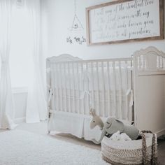Neutral nursery perfection. LINK IN PROFILE to see the whole room + sourcing.  Design by mama: @lalajones