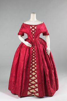 Silk Ball Gown, ca. This dress was made from an old dress from about At the time this dress was worn to a ball, the fabric was already a 100 years old. 1800s Fashion, 19th Century Fashion, Victorian Fashion, Vintage Fashion, 18th Century, Victorian Era, Vintage Gowns, Vintage Outfits, Retro Mode