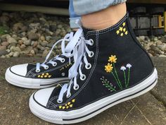 Stars and Flowers Embroidered Converse Hand embroidered converse wit. - Stars and Flowers Embroidered Converse Hand embroidered converse with a bundle of flowe - Painted Clothes, Painted Shoes, Painted Converse, Aesthetic Shoes, Aesthetic Clothes, Custom Shoes, Custom Clothes, Diy Clothes And Shoes, Diy Edgy Clothes