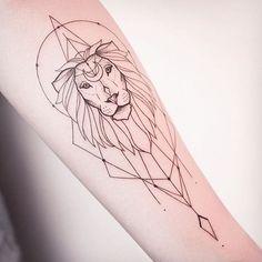 Afbeeldingsresultaat voor simple geometric tattoo