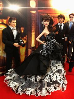 barbie doll evening gowns / 36 qw