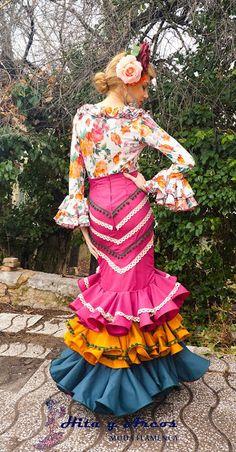 COLECCION 2015 - MODA FLAMENCA 2015, (Trajes Flamenca Granada, Venta de trajes de Flamenco, vestidos de gitana, vestido de sevillanas) Flamenco Dresses, Flamenco Costume, Flamenco Dancers, Special Dresses, Cute Dresses, Geek Shirts, Spanish Fashion, New Outfits, Glamour