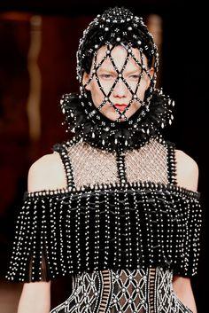 Alexander McQueen Fall 2013 Ready-to-Wear Collection Photos - Vogue