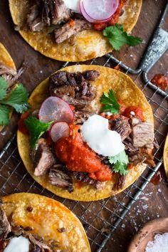Pork Recipes, Mexican Food Recipes, Chicken Recipes, Ethnic Recipes, Food Dishes, Main Dishes, Tostadas, Tacos, Carnitas