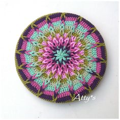 Crochet Mandela Pot Coaster pattern by Atty van Norel
