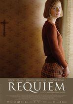 """""""Requiem"""" er baseret på en virkelig historie: I 1976 døde en 23-årig kvinde i München af sult kort efter en djævleuddrivelse. Requiem holder sig mere tro mod virkeligheden og er ikke en gyser, men et dybtfølt og indtrængende drama. Filmen begynder i en lille sydtysk by i 70'erne. Trods en langvarig kamp mod en svær epilepsi, vil 21-årige Michaela forlade sit hjem og den dybt religiøse familie for at studere på universitetet i Tübingen. Familiesammenhold og tro har altid været grundstenen i…"""