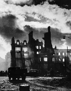 16 haunting pictures of the devastating destruction suffered by Swansea during the Blitz - Wales Online Coventry Cathedral, Central Park Manhattan, Honeymoon Places, The Blitz, Battle Of Britain, Swansea, Covered Bridges, Landscape Photos