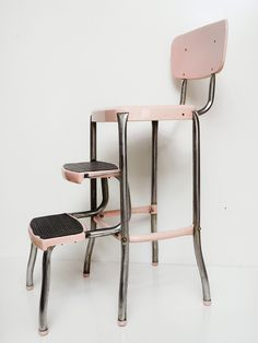 Mid-Century Kitchen Stool - Carnation Pink