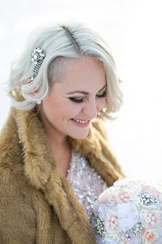 Jade wore a vintage crystal clip (a gift from her aunt), on the big day, which tied well into her other sparkly wintry accessories.