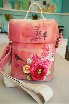 To customise a camera bag, oh the gorgeousness! Perhaps i would choose different colours and a different design for it, but i love how this one looks.