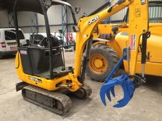 1-1.9 ton excavator #grapple cat #komatsu jcb #bobcat kubota,  View more on the LINK: 	http://www.zeppy.io/product/gb/2/111698013782/