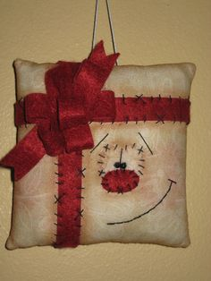 Primitive HC Christmas Holiday Snowman Gift by GooseNBerryCorners