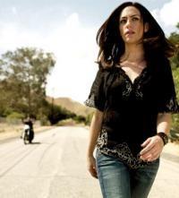 Tara walkin' down the road