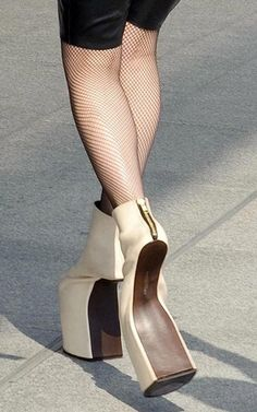30 Insane High Heels That Will Make Your Feet Hurt