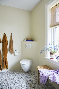 Laundry In Bathroom, Bauhaus, Toilet, House, Inspiration, Bath Room, Biblical Inspiration, Washroom, Flush Toilet
