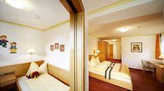 Komfortable Zimmer im Wanderhotel Kirchner in Bramberg Bunk Beds, Room, Furniture, Home Decor, Single Bedroom, Summer Vacations, Bedroom, Decoration Home, Loft Beds