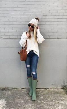 Anyone else where rain boots when it's not raining ? ♀️ These are under $100 & come in a bunch of colors ❤️ Details linked via  @liketoknow.it Get the product details for this look and others , follow me in the LIKEtoKNOW.it app available for Android now too !!! http://liketk.it/2ttPf #liketkit