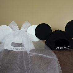 Add your wedding date to your bridal hats!