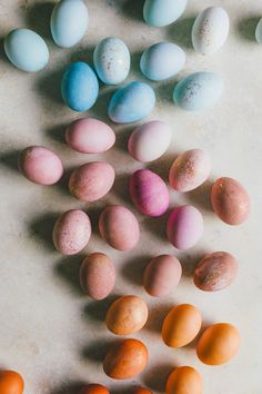 DIY Naturally Dyed Eggs | HonestlyYUM (honestlyyum.com)