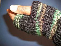Knit Fingerless Gloves Pattern pattern by Gail Bable