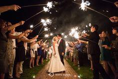 Bekijk hier het portfolio van huwelijksfotograaf Thierry Dupont! Huwelijksfotograaf in Antwerpen maar voor heel Vlaanderen en ver daarbuiten.