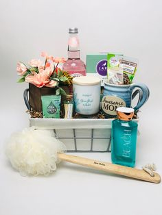 This basket is perfect for mom on her special day. Spa items, candle, tea and cookies Spa Items, Corporate Gifts, Best Mom, Gift Baskets, Customized Gifts, Special Day, Candles, Tea, Cookies