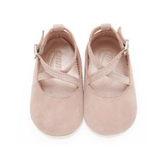 How cute 💕Mimi Rose Pink - Baby Girl Shoes - Rose Soft Suede Baby Outfits, Outfits Niños, Kids Outfits, Toddler Outfits, Toddler Girls, Trendy Outfits, Winter Outfits, Baby Girl Shoes, My Baby Girl