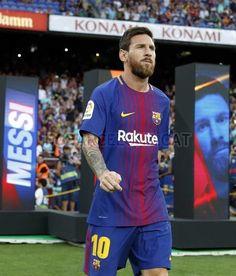 Lionel Messi #FCBarcelona #Messi #MessiFCB #FansFCB #Football #10 #FCB Barcelona Website, Barcelona Vs Real Madrid, Fc Barcelona, Lionel Messi Wallpapers, Football Tournament, World Cup Russia 2018, Messi 10, International Football, Soccer Stars