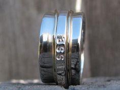 Coolabah Charm - Engraved spinner ring