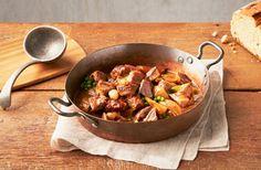 Le porc du Québec vous offre 32 coupes et une foule de recettes pour mieux le savourer. Faites aussi connaissance avec ses éleveurs qui en font un produit de qualité supérieure.