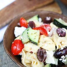 Greek Tortellini Salad Recipe One word - yum! Made this for a pot luck. Easy and delicious. Greek Tortellini Salad, Pasta Salad, Cheese Tortellini, Greek Pasta, Quinoa Salad, Mint Salad, Fruit Salad, Vegetarian Recipes, Cooking Recipes