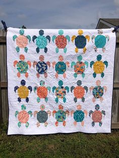Quilt Gorgeous turtle quilt by Jackie Marks for Eunoia Patterns beach quilt turtle quilt quilting quilt block HawaiianGorgeous turtle quilt by Jackie Marks for Eunoia Patterns beach quilt turtle quilt quilting quilt block Hawaiian Boy Quilts, Scrappy Quilts, Quilts For Kids, Denim Quilts, Star Quilts, Rag Quilt, Quilt Block Patterns, Quilt Blocks, Quilting Projects
