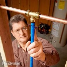How to Join Dissimilar Pipes A master plumber shows the fittings and techniques used to make leak-free connections between copper, PEX, CPVC, galvanized steel and more. Pex Plumbing, Plumbing Fixtures, Bathroom Plumbing, Bathroom Fixtures, Basement Bathroom, Plumbing Humor, Bathrooms, Plumbing Accessories, Drainage
