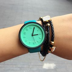 New Fashion Women Watches - High Quality Quartz Leather Strap Watches