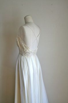 Reserved // vintage 60s wedding dress - SPRING AHEAD ivory lace wedding gown / XS