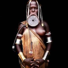 mursi woman with lip plate / omo valley ethiopia