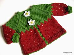 Artículos similares a Knitted baby jacket Red Strawberry baby girls red cardigan/ en Etsy