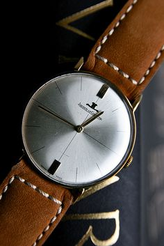 FOR SALE: Jaeger LeCoultre Men's 18K Solid Gold Bauhaus Dress Watch