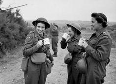 Nursing sisters of No.10 Canadian General Hospital, Royal Canadian Army Medical Corps, having a cup of tea upon arriving at Arromanches, France, 23 July 1944 ••• Pervading style