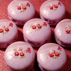 """Kotobuki"" strawberry macarons"