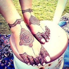 Mehendi Designs - Mandala Mehendi Foot Design | WedMeGood | Modern Mehendi Minimalistic Foot Design #wedmegood #indianwedding #indianbride #mehendidesign #mehandi