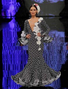 SIMOF 2018: el desfile de Teressa Ninu Atelier, en fotos / Raúl Doblado Flamenco Costume, Dots Fashion, Spanish Fashion, Edwardian Dress, Online Fashion Boutique, Feminine Dress, Abaya Fashion, Camila, African Fashion