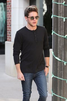 December 5th: Niall out shopping in Beverly Hills