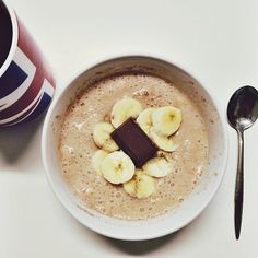 This morning's #breakfast was egg white #oatmeal with #banana and a Belgian milk chocolate square! #food #foodie #igfood #igfitness #fitfood #fitfam #fitgirls #fitmeals #fitness #fitspo #iifym #iifymgirls #healthy #healthyfoodporn #oats #porridge #proats #chocolate #banana #Padgram