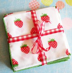 strawberry napkins | Picnic in the Park...Bouncy Vintage Strawberry Napkins